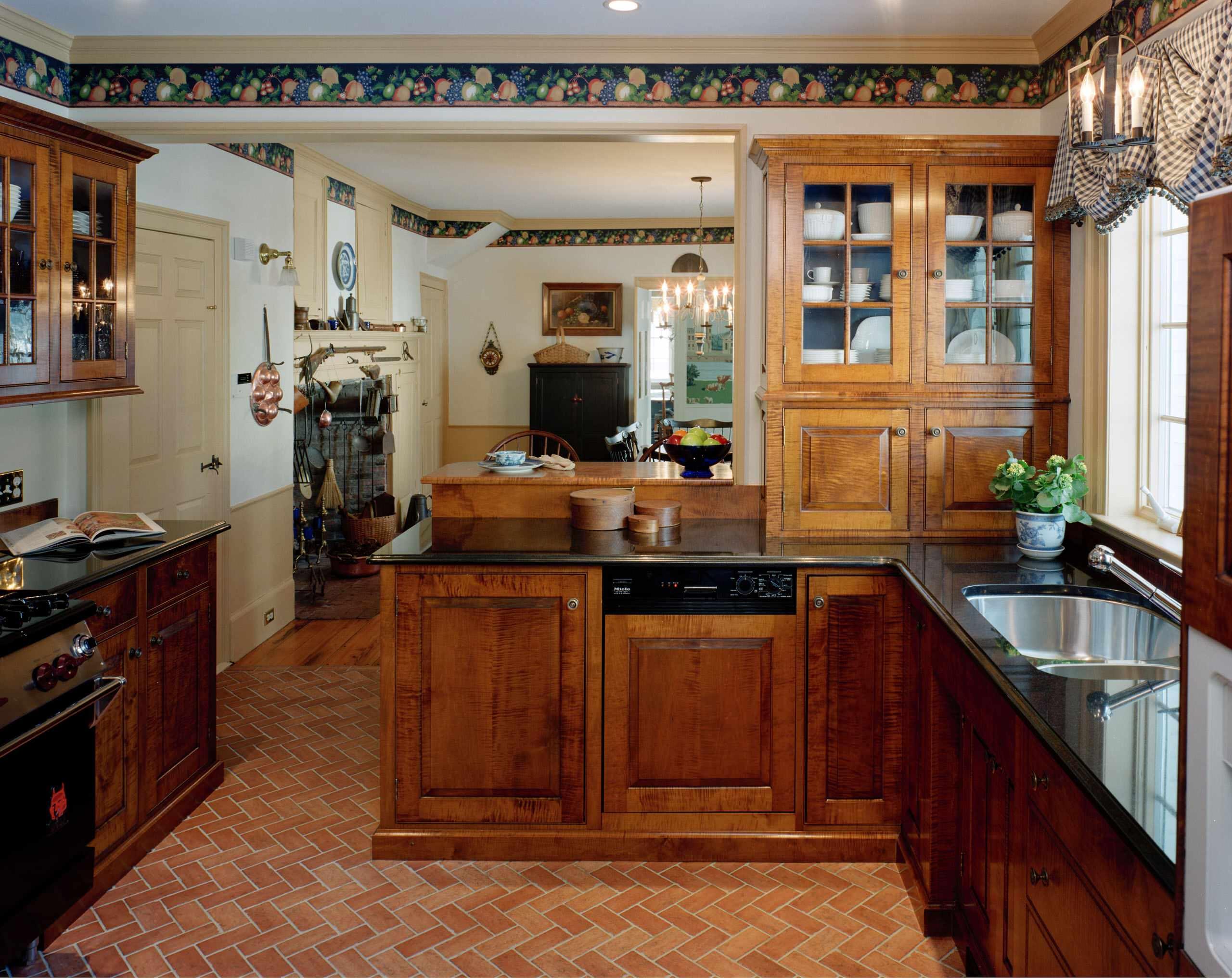 Antique Colonial, Newburyport, MA   Traditional   Kitchen   Boston ...