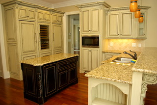 Antique Glazed Cabinetry Traditional Kitchen Atlanta By Beauti Faux Interiors