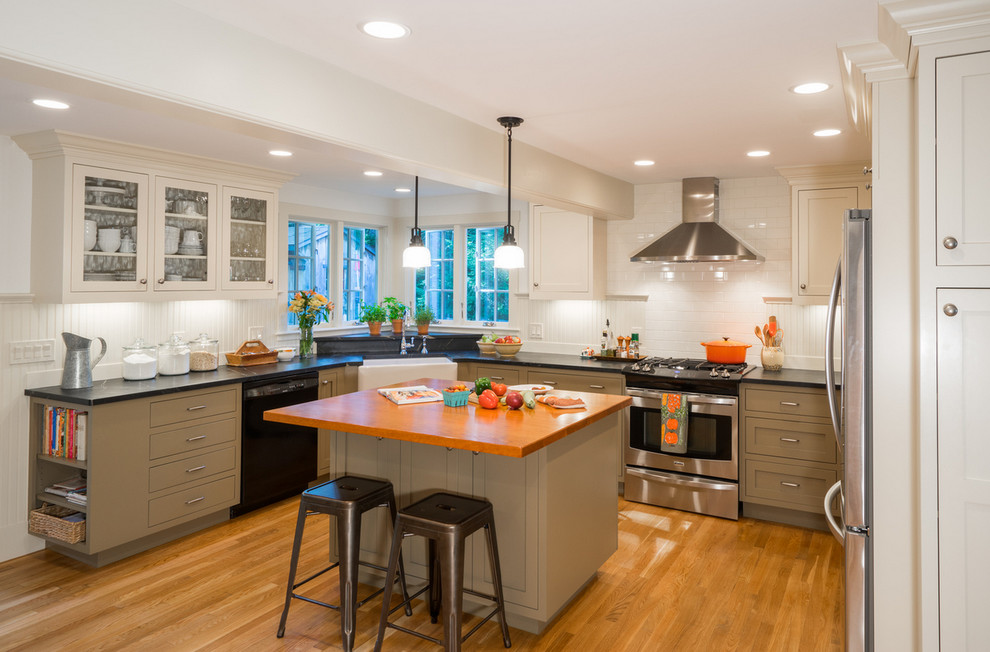 Inspiration for a farmhouse kitchen remodel in Boston