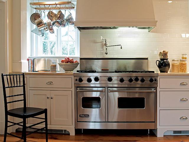 Kitchen - eclectic kitchen idea in Philadelphia