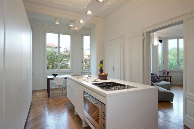 Appartamento in milano casa epoca contemporary kitchen for Appartamenti di design milano
