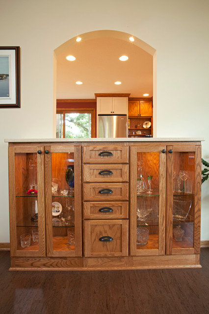 Apple Valley White, and Oak Kitchen traditional-kitchen