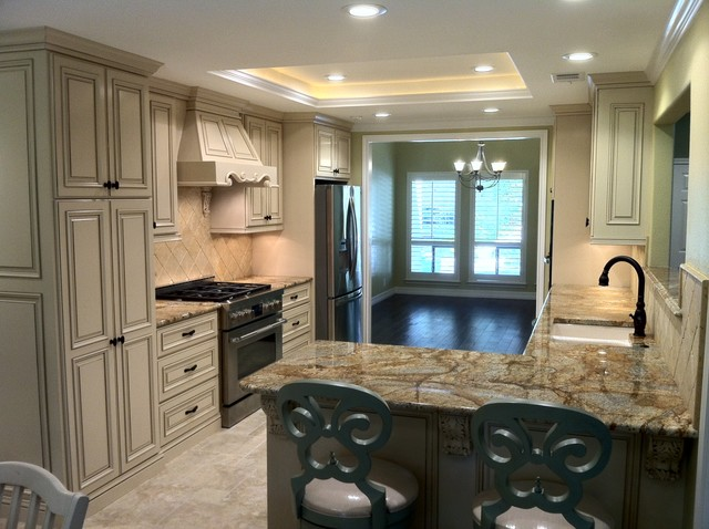 Applied Molding Kitchen Cabinets - Traditional - Kitchen ...