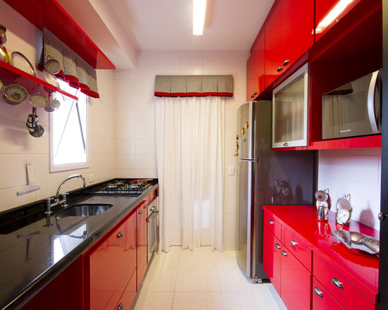 Red and black kitchen design ideas pictures remodel and for Black and red kitchen designs