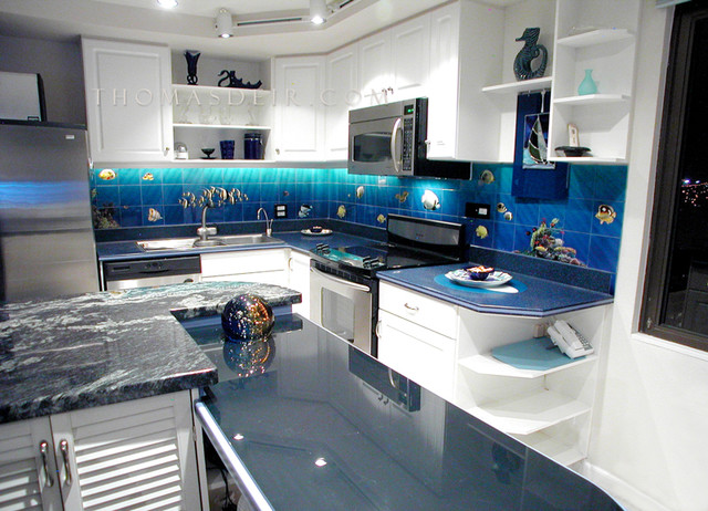 Aquarium kitchen for Tropical themed kitchen