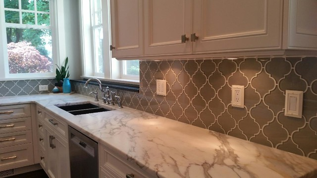 Arabesque Glass Mosaic Tile Backsplash Traditional Kitchen