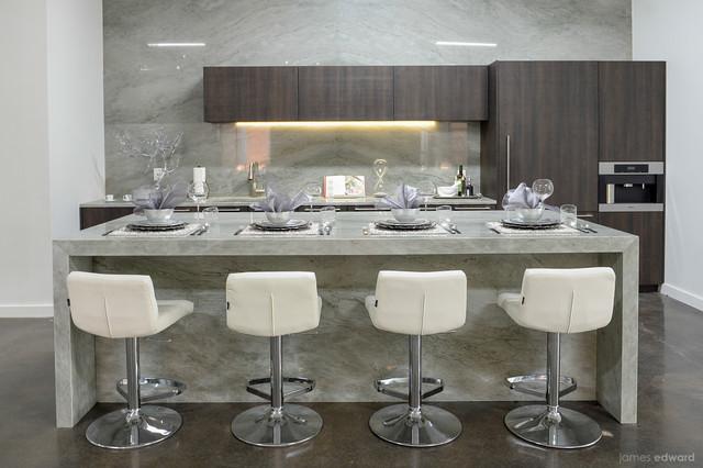 Charmant Aria Stone Gallery Kitchen   Zuri Furnitureu0027s Lattice Barstools Contemporary  Kitchen