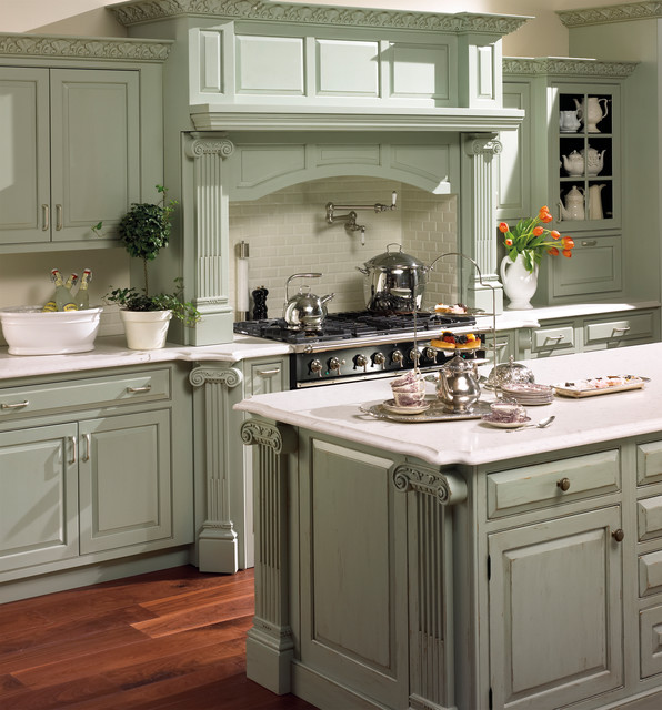 Aristoclectic - Traditional - Kitchen - by Plain & Fancy Custom Cabinetry