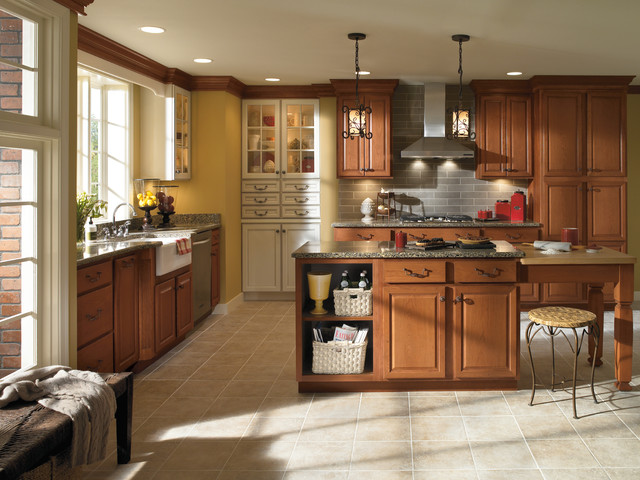 Aristokraft Cabinetry traditional-kitchen