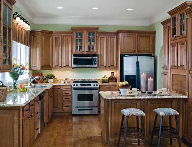 Aristokraft Grayson Kitchen Cabinets - Kitchen - other metro - by MasterBrand Cabinets, Inc.