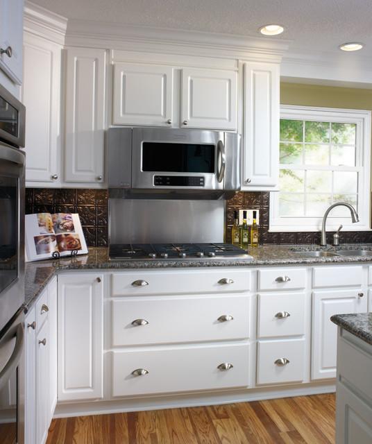 Paint Kitchen Cabinets White Like A Pro: Aristokraft White Kitchen Cabinets