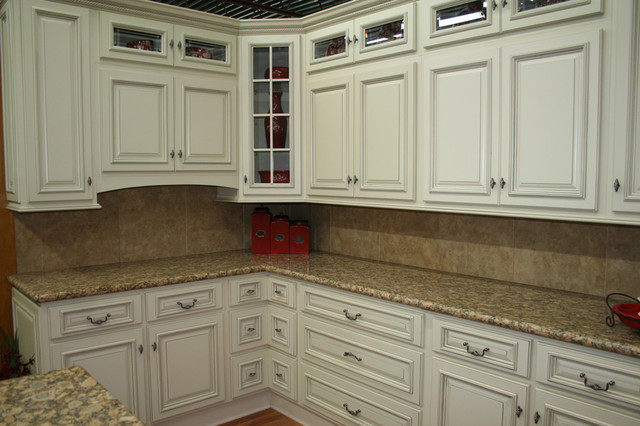 Arlington White Kitchen Cabinets Home Design - Traditional - Kitchen - Columbus - by Lily Ann ...