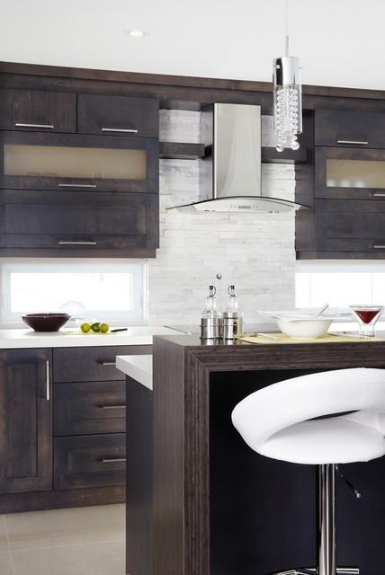 Armoires de cuisine contemporaine de style shaker en for Cuisine contemporaine