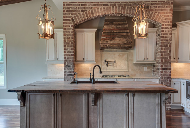 Arnold Homes LLC traditional-kitchen