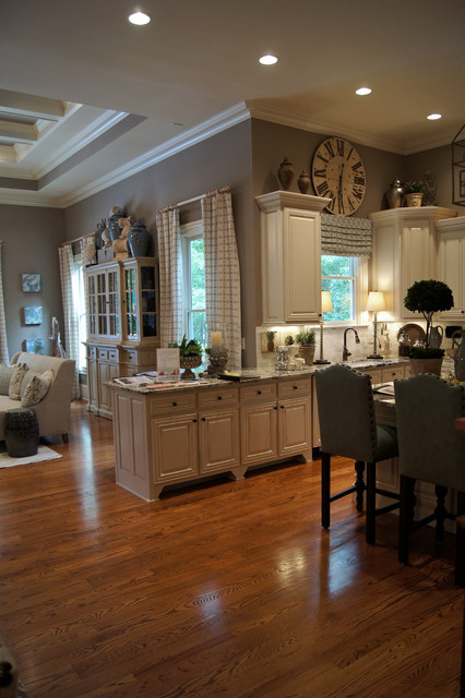Art & Design Show House 2012 traditional-kitchen