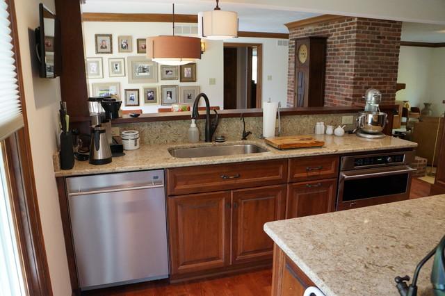 Arts and Crafts craftsman-kitchen