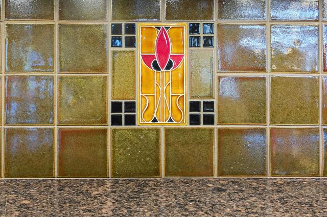 Arts crafts kitchen backsplash detail craftsman for Arts and crafts floor tile