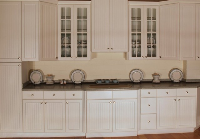 Aspen beadboard kitchen display traditional kitchen for Beadboard kitchen cabinets