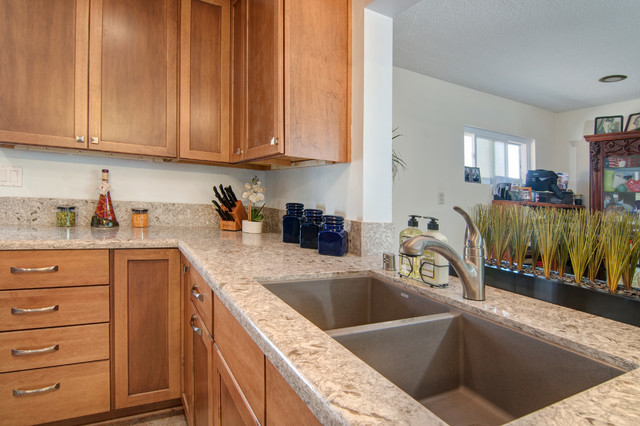 Aster maple kitchen for Aster kitchen cabinets