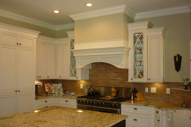 Atlanta traditional kitchen atlanta by regina for Kitchen cabinets regina