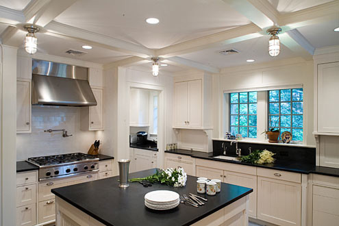 Modern white kitchen designs ideaspictures photos images halooga Modern kitchen design ideas houzz