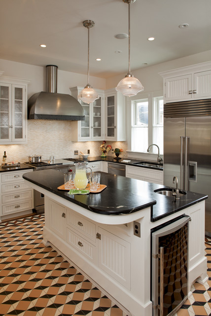 traditional kitchen by Volz O'Connell Hutson