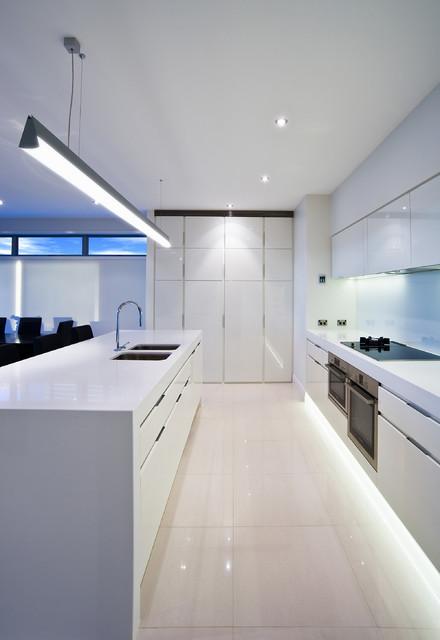 r novation tout savoir sur les plinthes. Black Bedroom Furniture Sets. Home Design Ideas