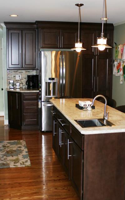 Ayers job, Maple Praline traditional-kitchen