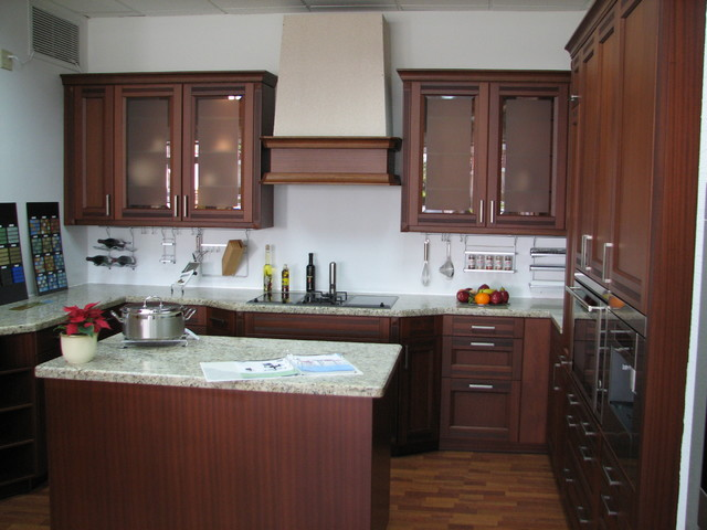 B r traditional kitchen miami by german kitchen llc for German kitchens