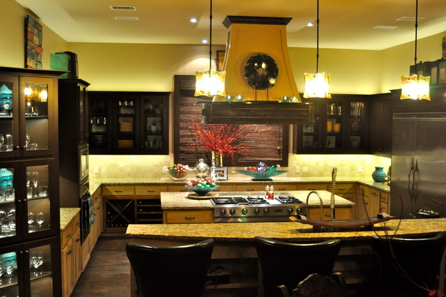 Bachelor pad traditional kitchen dallas by in for Bachelor pad kitchen ideas