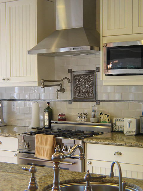 Backsplash detail traditional kitchen