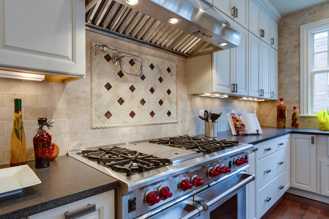 Backsplash Over Range Stove Traditional Kitchen Dc Metro By Tradition Homes