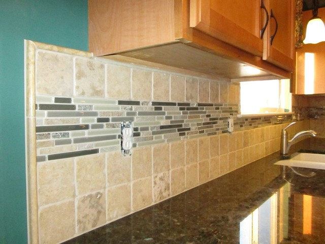Backsplash: Stone 4x4 tiles with a large glass and stone mosaic liner.  traditional- - Backsplash: Stone 4x4 Tiles With A Large Glass And Stone Mosaic