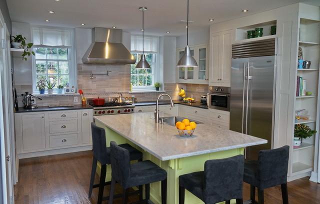 Mid Sized Elegant L Shaped Dark Wood Floor Enclosed Kitchen Photo In  Philadelphia With