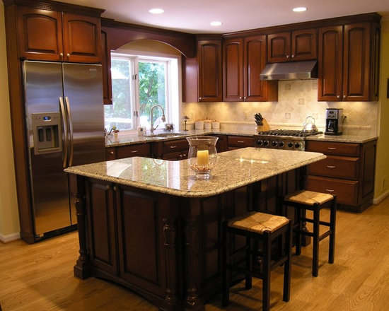 Traditional l shaped island kitchen design ideas remodels for Design for kitchen island