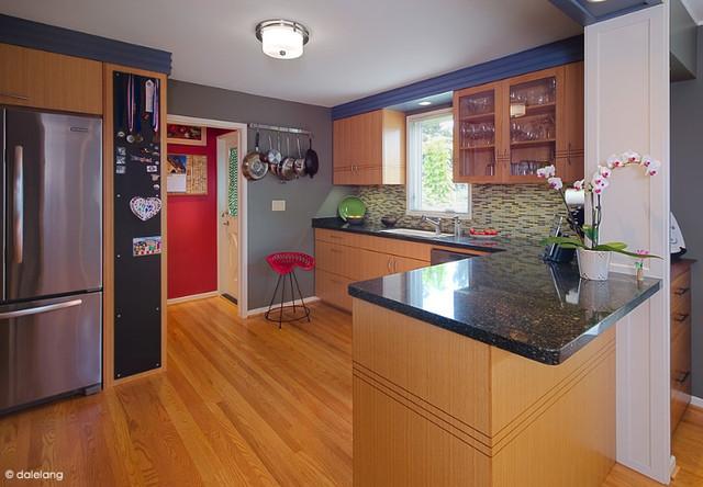 Ballard Kitchen traditional-kitchen