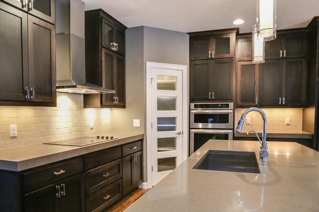 Balsam IV modern-kitchen