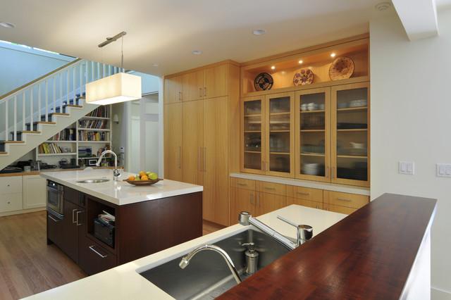 Balsamina Residence contemporary-kitchen