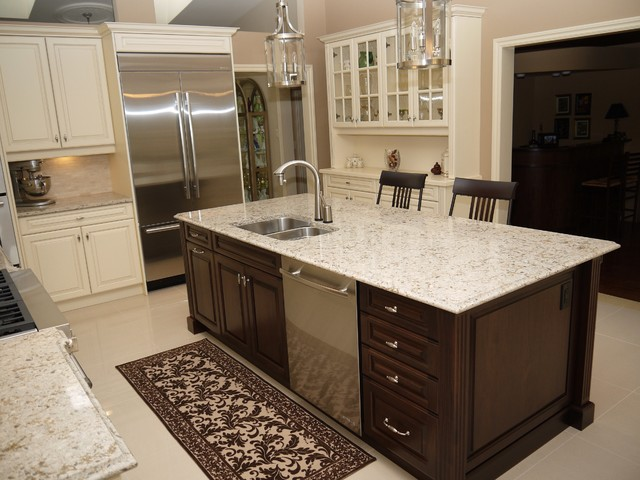 Bandi Residence traditional-kitchen