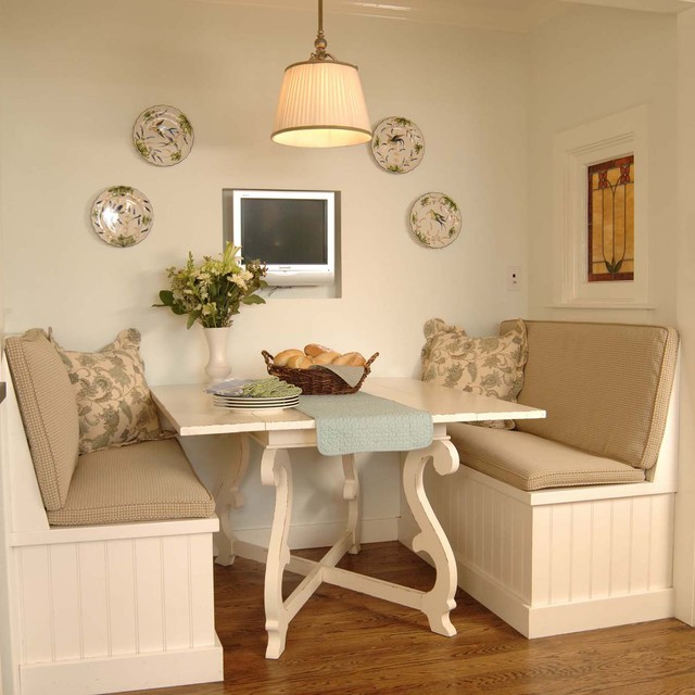 Banquette traditional kitchen