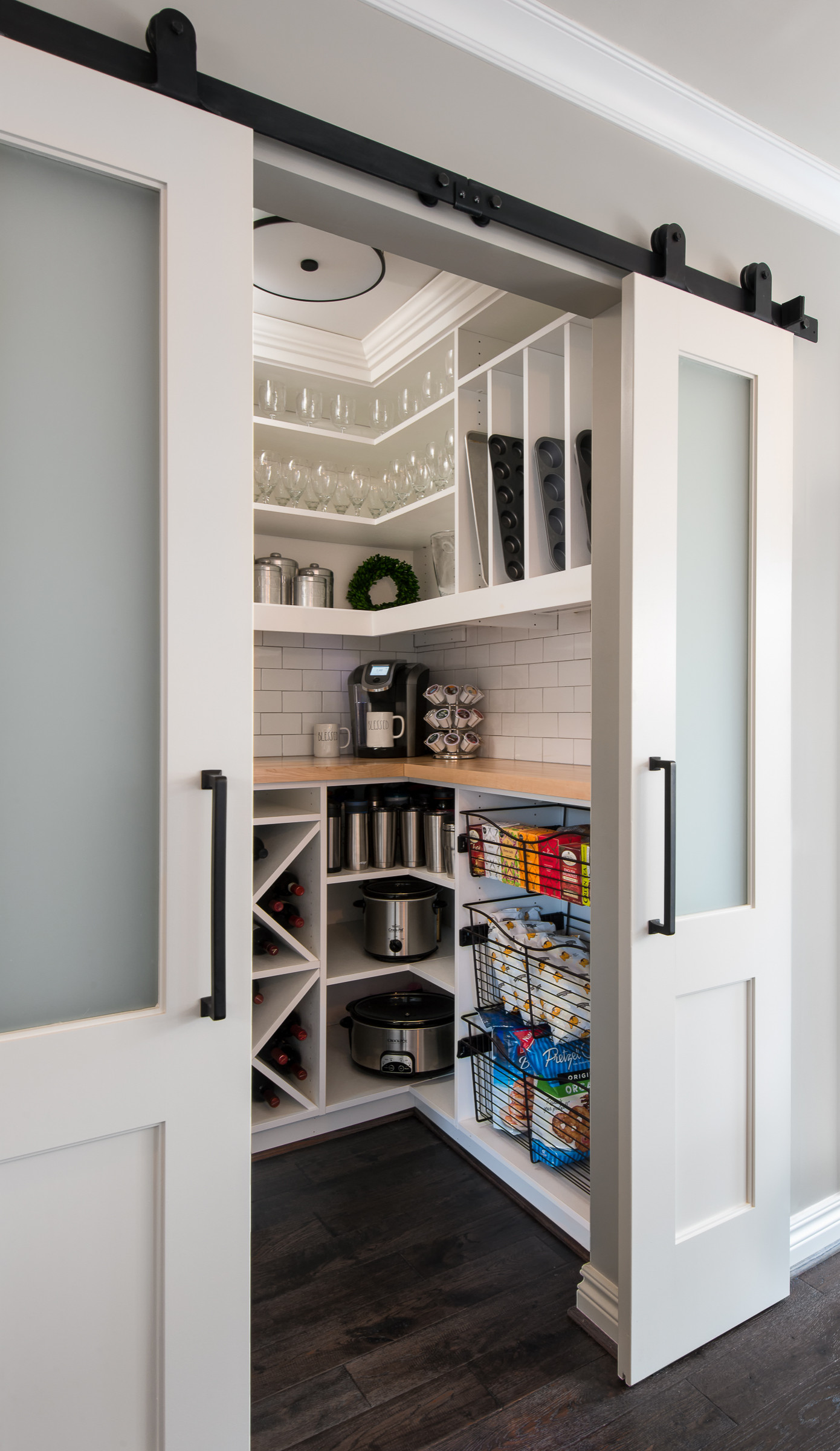 75 Beautiful Small Kitchen Pictures Ideas April 2021 Houzz