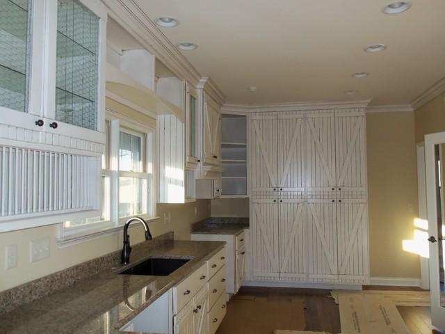 Barndoor Style Kitchen traditional-kitchen