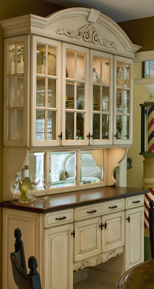 Beau What Is The Paint Color Of The China Cabinet? I Like The Idea Of The Mirror  On The Cabinet.