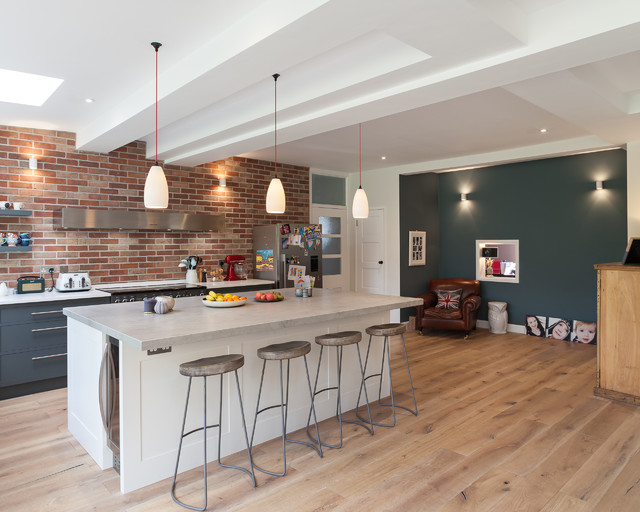 A 1930s English House Gets A New Kitchen And Dining Area