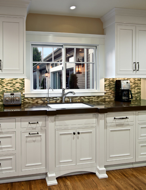 Are these cabinets by Omega? If so, what door style?