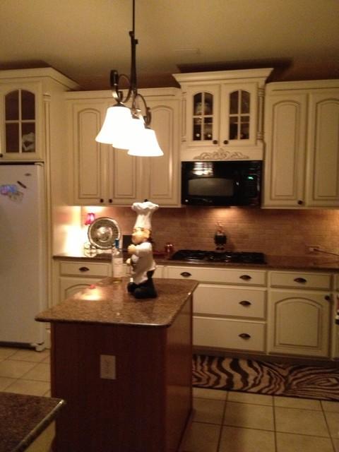 Bate 39 S Kitchen Modern Kitchen Dallas By Studio7 Dfw Kitchen And Bath Design