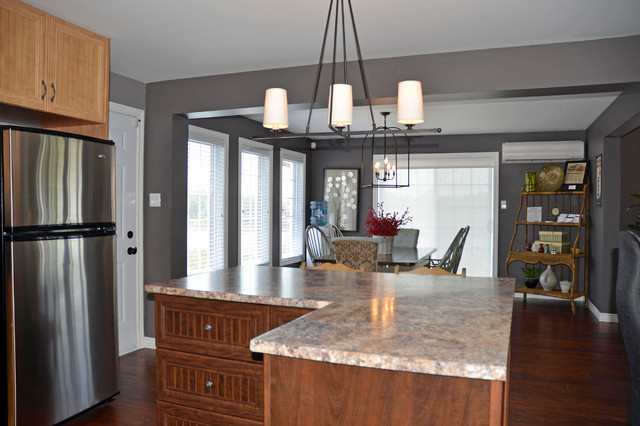 Bay builders modular model home north bay for Traditional modular kitchen