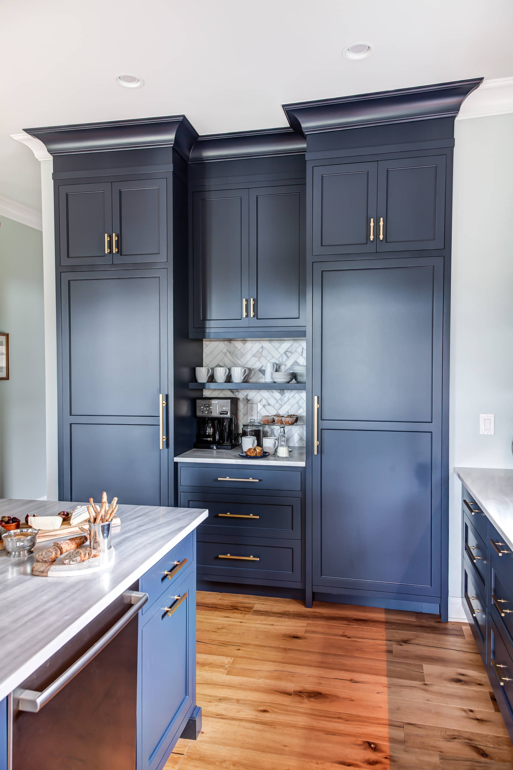 75 Beautiful Kitchen With Blue Cabinets And Granite Countertops Pictures Ideas December 2020 Houzz
