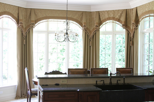 Bay window curtains glencoe il traditional kitchen for 1930s bay window curtains