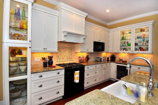 Bayshore Beautiful Bartlett Custom Home traditional-kitchen